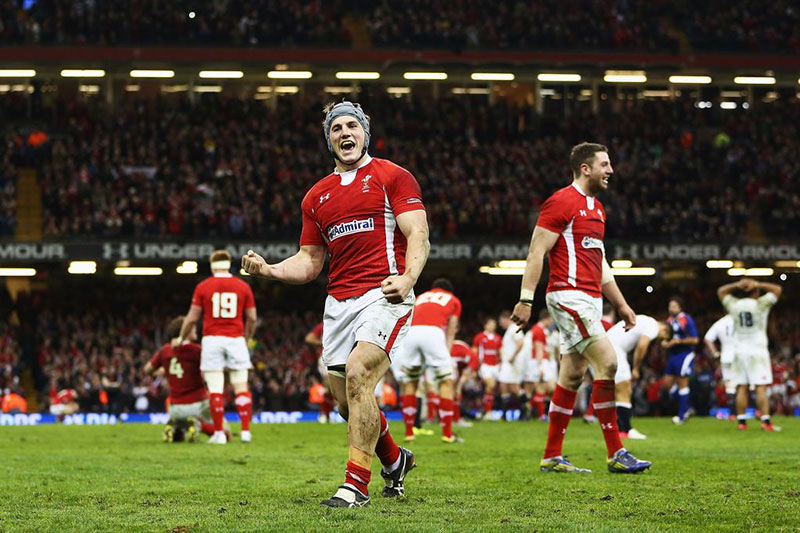Jonathan-Davies-of-Wales-celebrates-winning-the-Six-Nations-Championship-